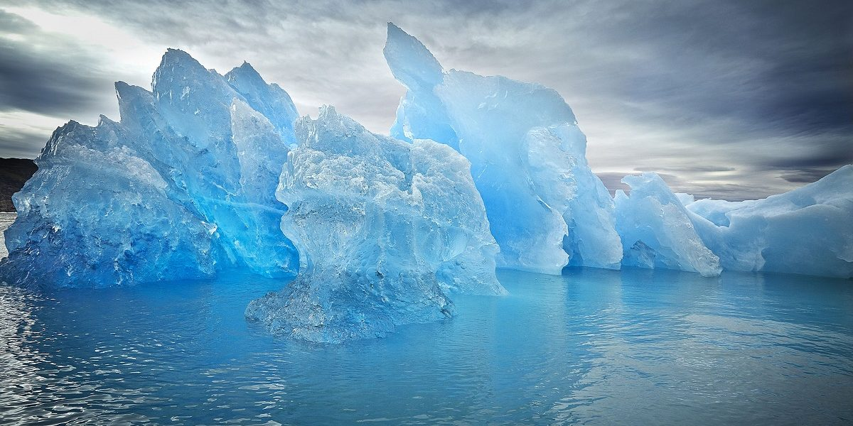 Blue_ice_in_South_Greenland_-_Visit_Greenland