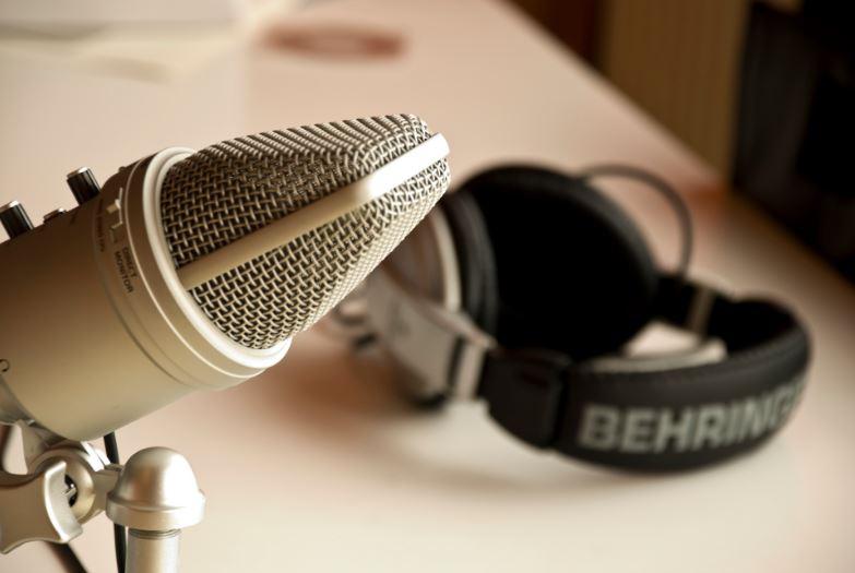 love me podcast racconta le storie di uomini e donne nel mondo