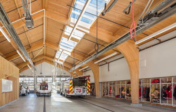 legno,costruzioniù: premiata stazione dei pompieri